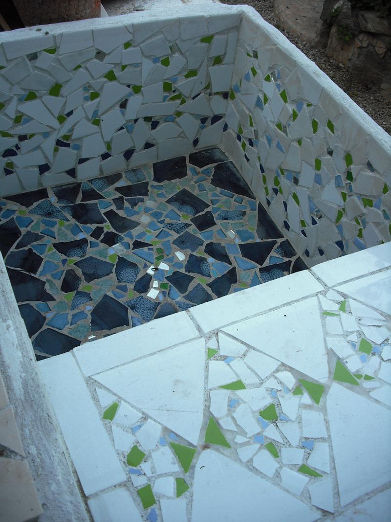 Joan seriny fregadero en trencad s mosaicos - Fregaderos para jardin ...