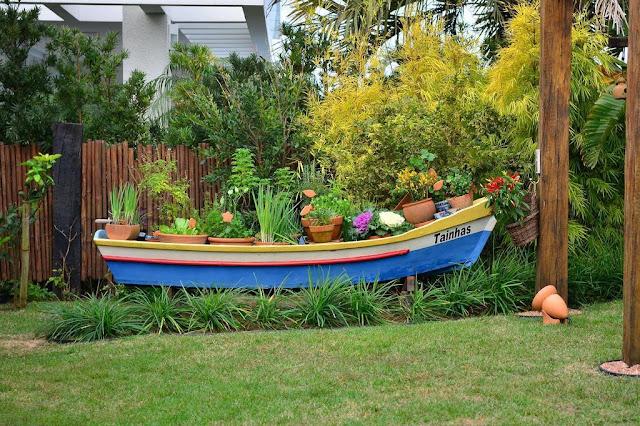 horta jardim e pomar: cuidar de uma horta de temperos no jardim, em apartamento ou na casa