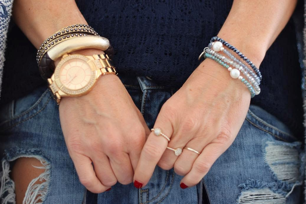 Pulseras y anillos - Cuchicuchi  Brazalete y reloj Maderas Joyeros