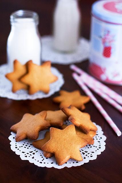 http://ditifet-cuina.blogspot.com/2015/01/galetes-de-torro-de-xixona-galletas-de-turron-de-jijona.html