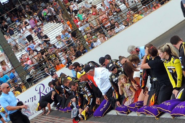 Gordon joined by his team, car owner, and family prepare to kiss the bricks at the Indianapolis Motor Speedway.  #crownheroes #jww400 #reignon #nascar