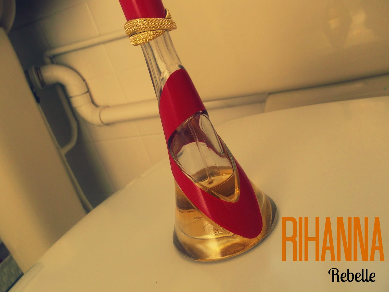 Rihanna Rebelle Perfume Review