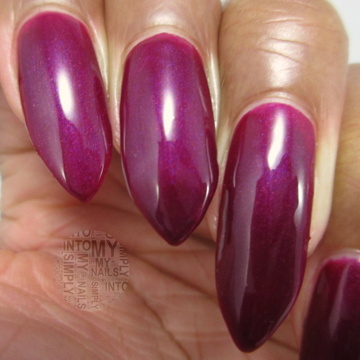 Mini Manicures ~ OPI Gelcolor Kiss Me - Or Elf! | Simply Into My NAILS