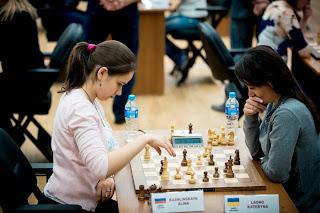 Echecs : la grand-maître russe Alina Kashlinskaya face à l'Ukrainienne Kateryna Lagno © site officiel