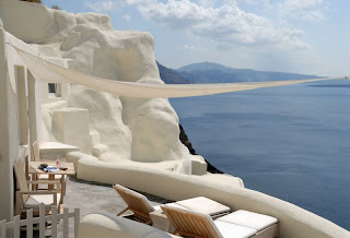 santorini luxury hotels 12