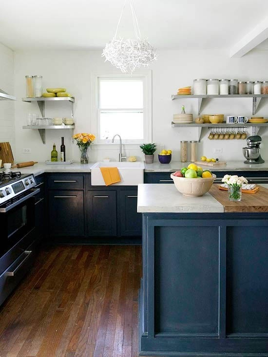The Peak Of Tr S Chic Kitchen Trend No Upper Cabinets