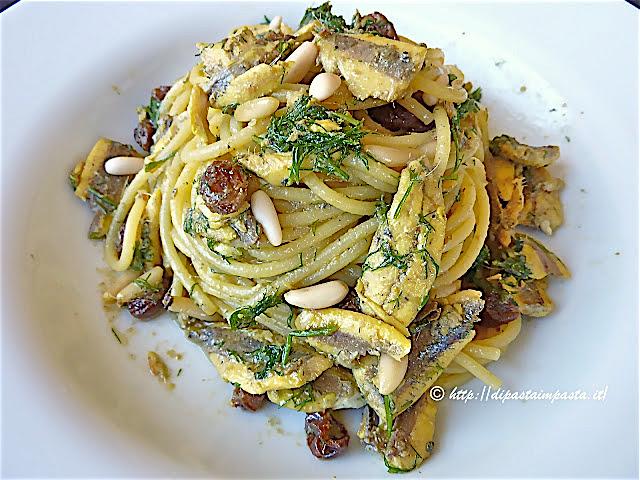 Ricetta pasta con zucchine e acciughe