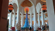 Then we came to the grand Atlantis. It has spectacular interior . (dubai atlantis )