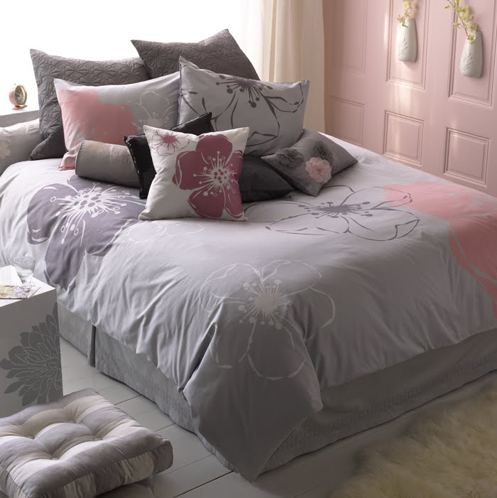 Pink and Gray Bedroom  wt do u think   Nersian's
