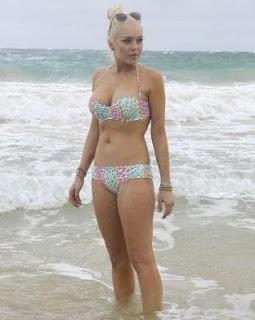 Lindsay Lohan in Bikini, Lindsay Lohan Bikini Pics