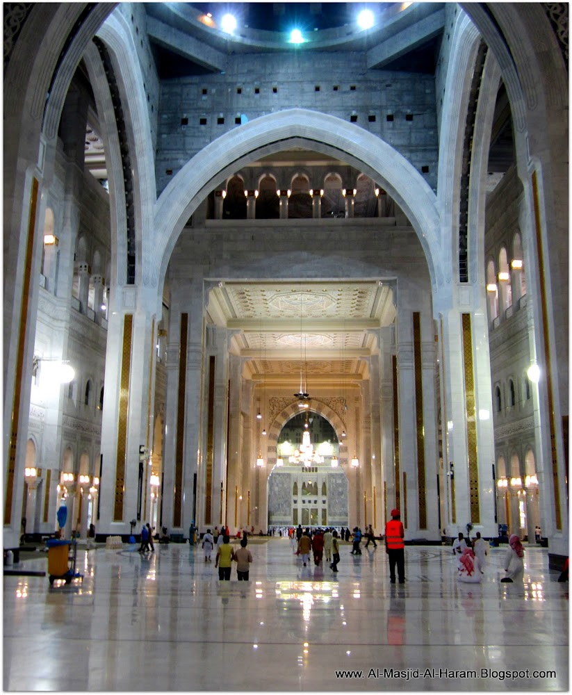 متابة توسعة الحرمين منذ 2013 الى 2015  New+Expansion+Masjid+al+Haram+(12)