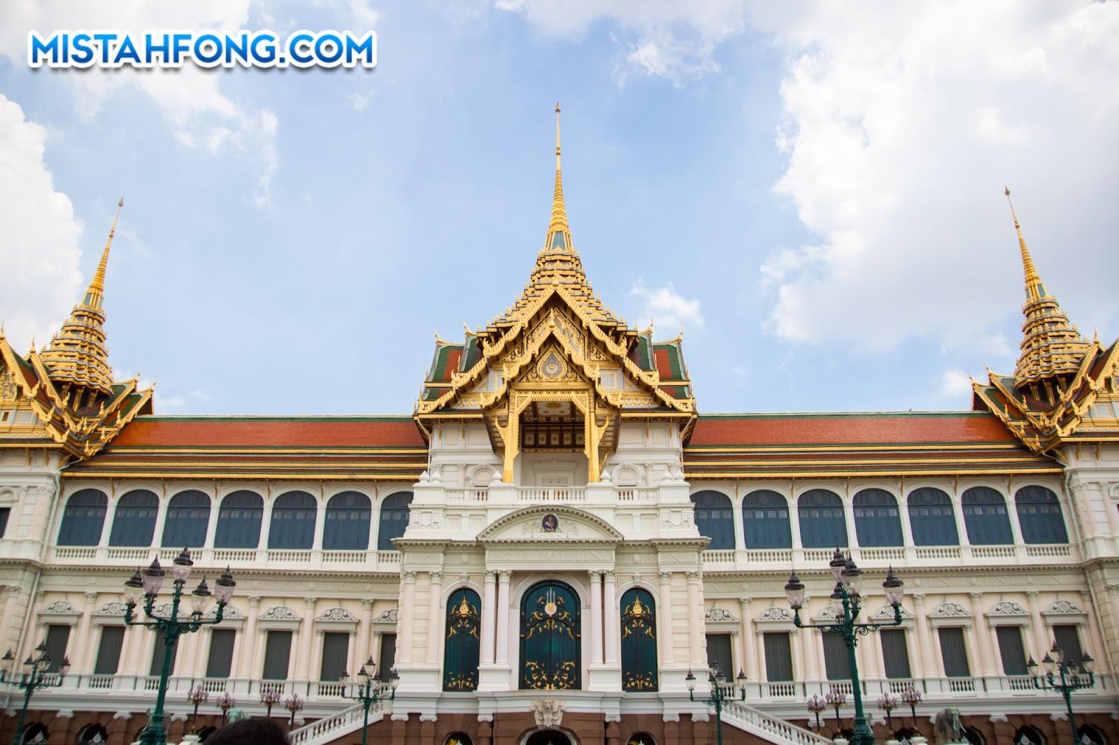 Phra Thinang Chakri Maha Prasat พระที่นั่งจักรีมหาปราสาท