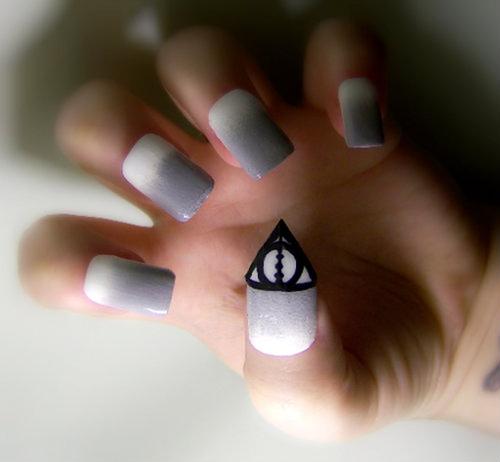 Teens Magz : 52 Amazing Nail Arts
