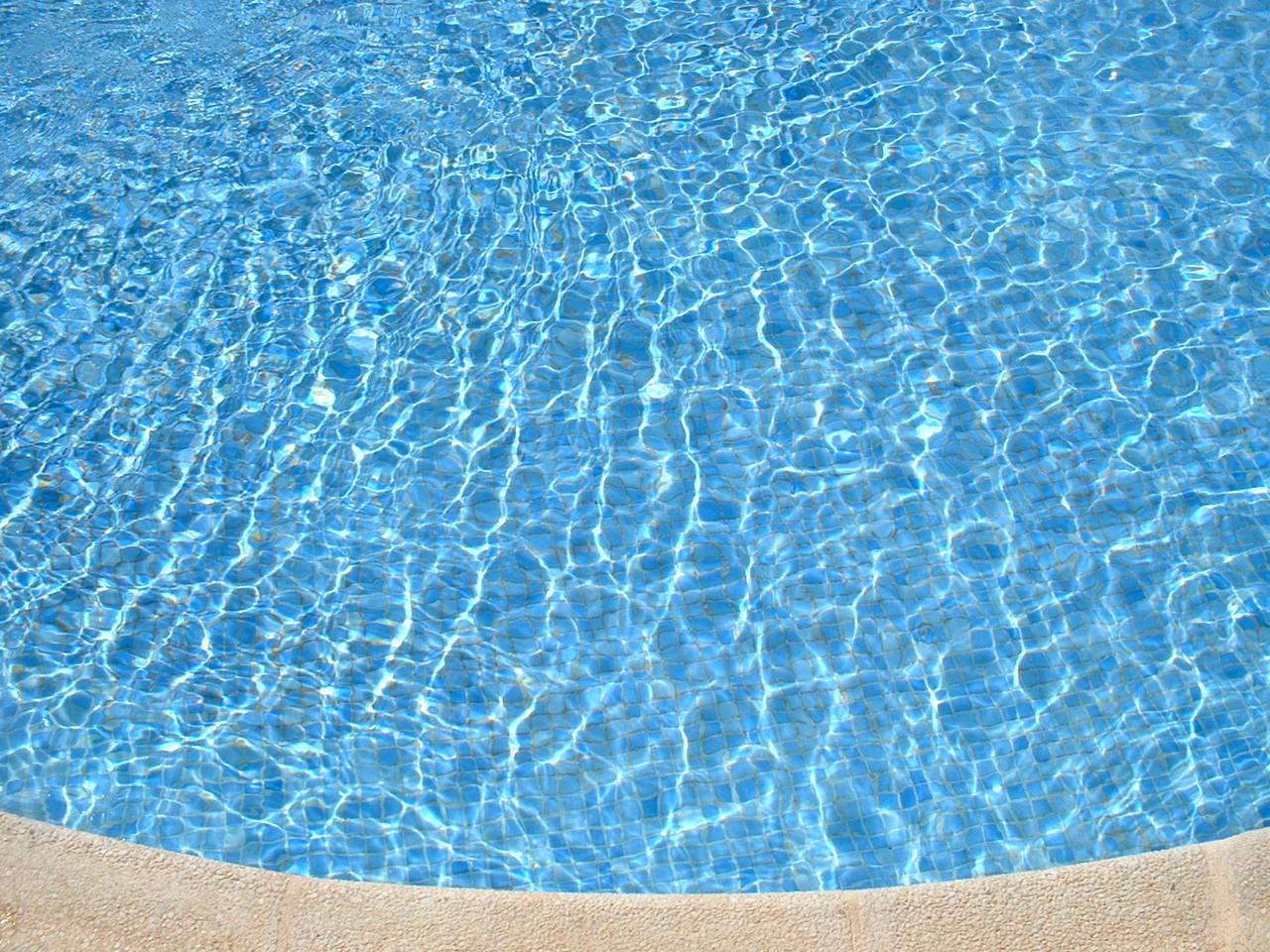 robot vortex 3 choisir la couleur de l eau de sa piscine. Black Bedroom Furniture Sets. Home Design Ideas