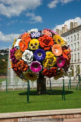 escultura inspirada en flor