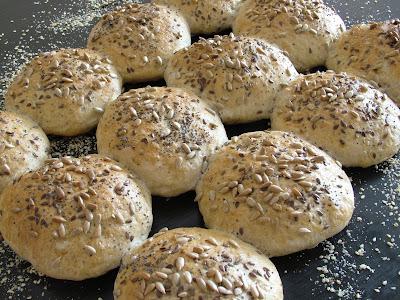 Bułki pszenno-żytnie na zakwasie
