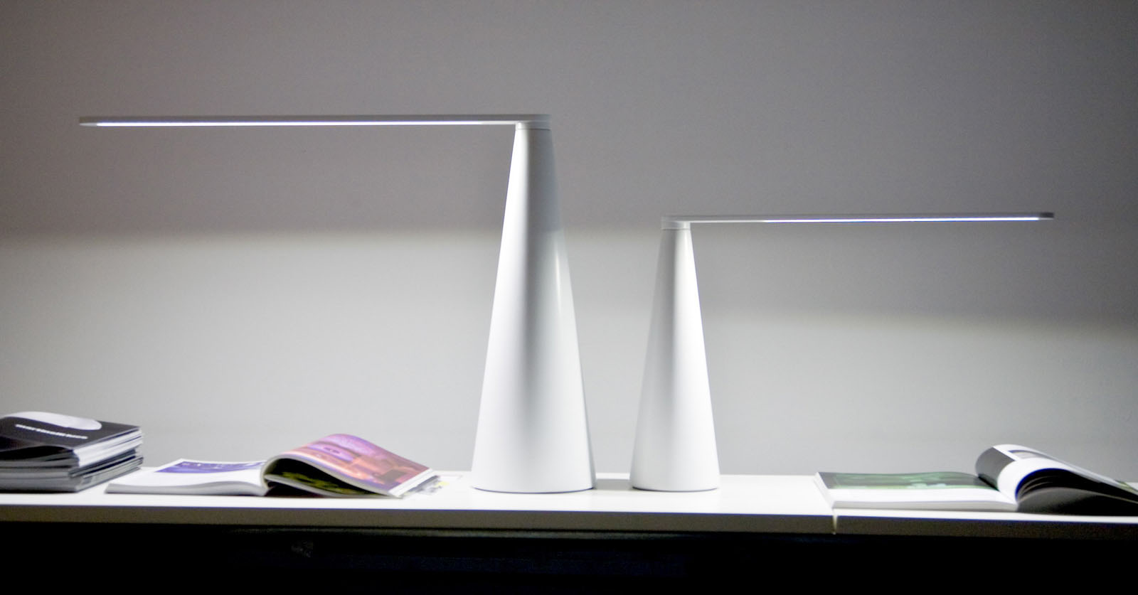 martinelli luce elica desk lamp bandero office desk 100