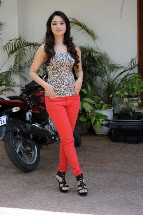 Sexy Tamanna Bhatia Hot HD Wallpapers