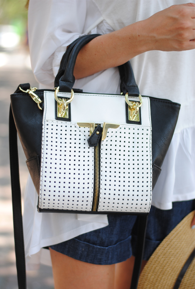 Black and white handbag, perfect neutral bag