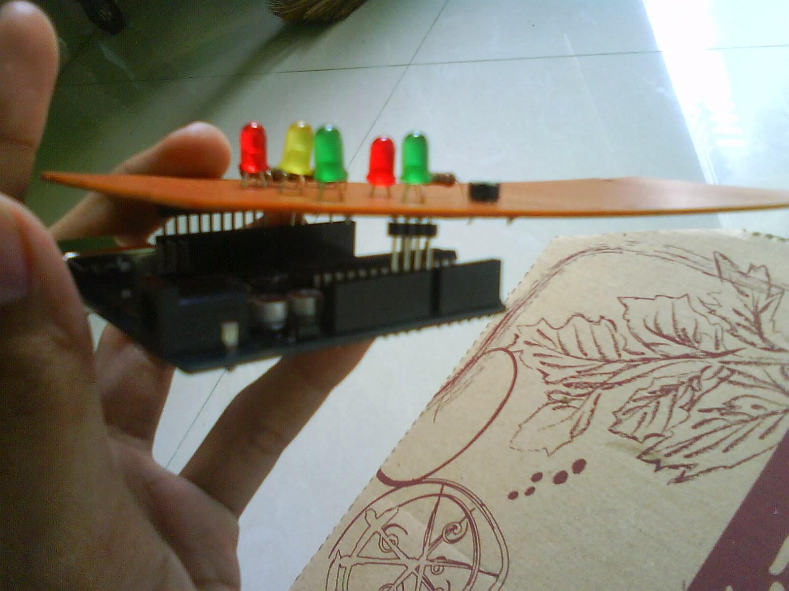 Afada s hobby prototype lampu merah menggunakan arduino uno