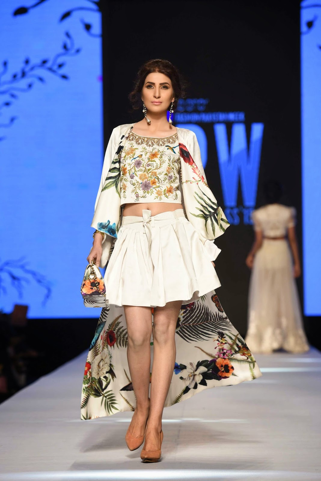 areeba habib white printed skirt crop top zaheer abbas