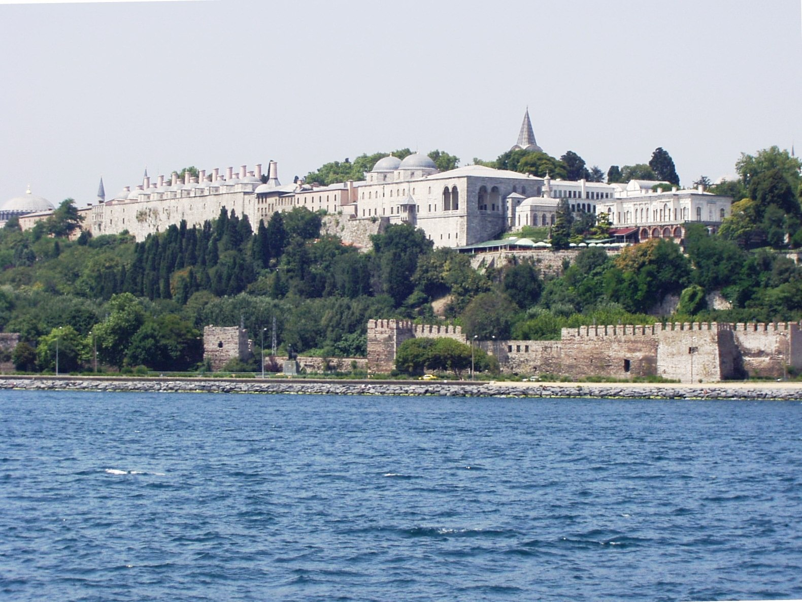 http://3.bp.blogspot.com/-8EtCeUDRAoU/UV6fMb-fryI/AAAAAAAACmI/aTePXlmrKxg/s1600/Topkapi_Palace_Bosphorus_002.JPG