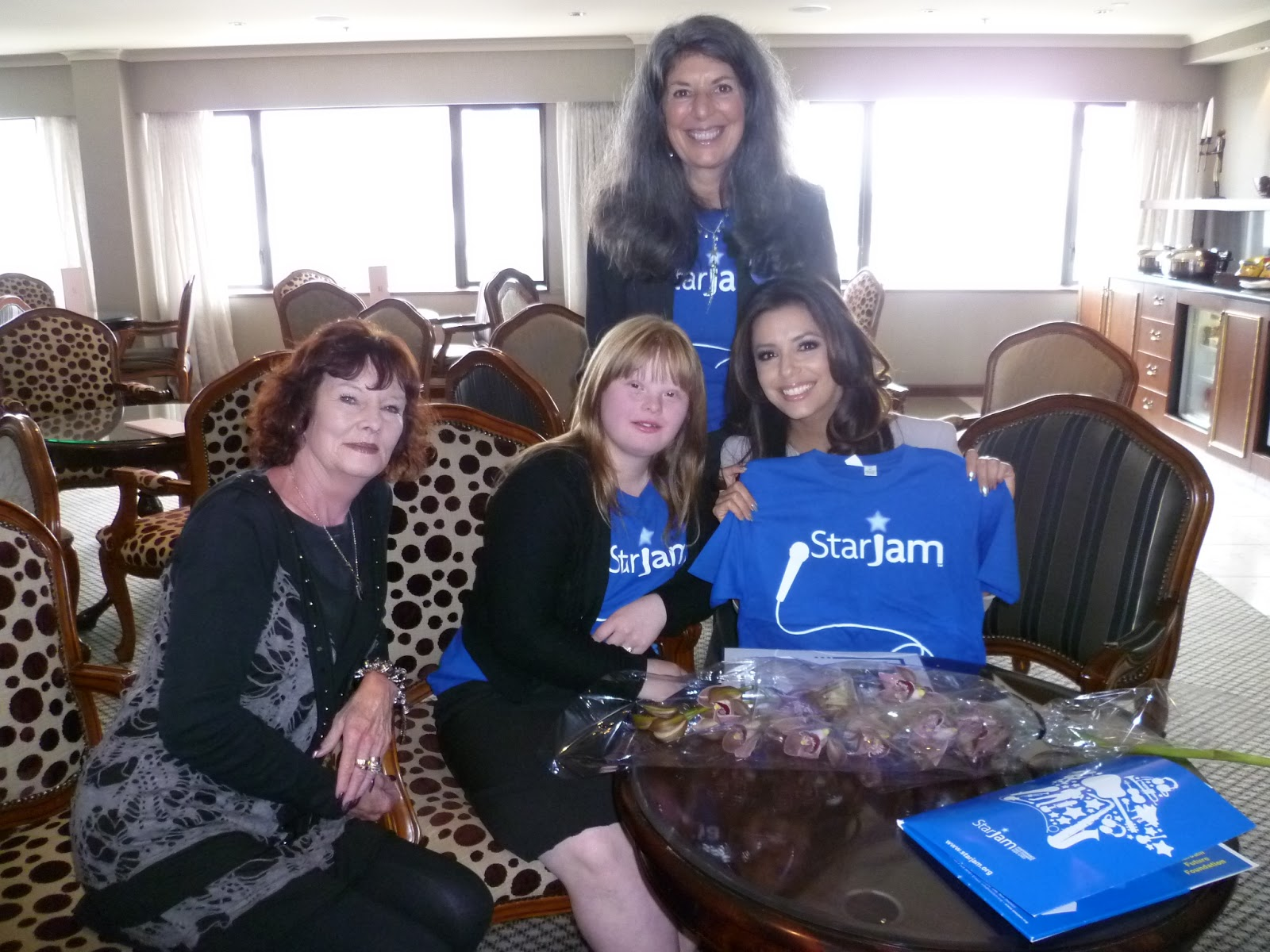 http://3.bp.blogspot.com/-8F1mX0c4X3o/UHeFquq3c9I/AAAAAAAAA8c/q8fh0Q0KsTo/s1600/Eva+and+Brooke\'s+meeting.JPG