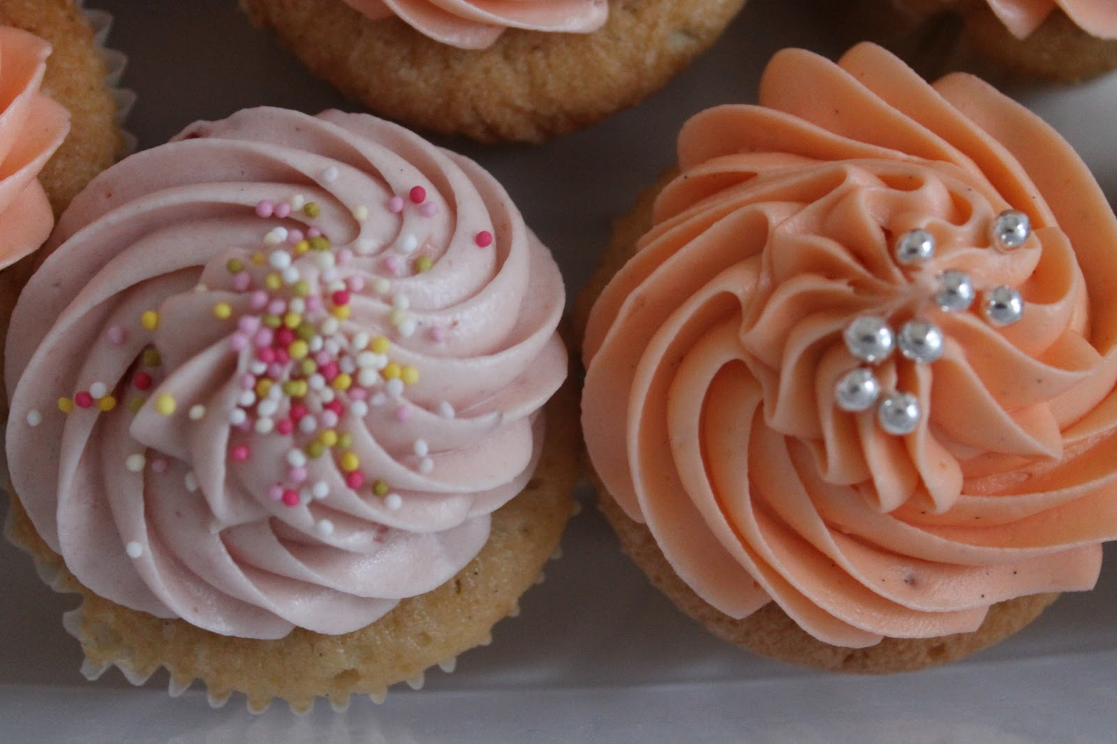 Old Fashioned Cupcakes with Strawberry and Caramel Cream Cheese Icing