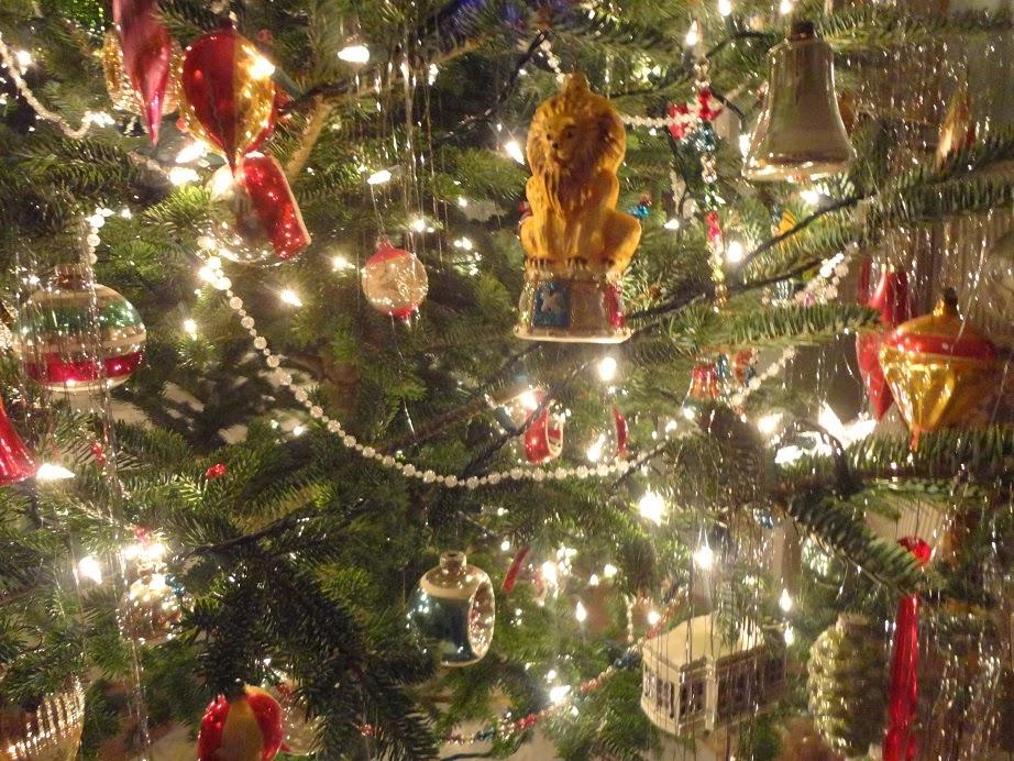 Michael Thomas Old School Christmas