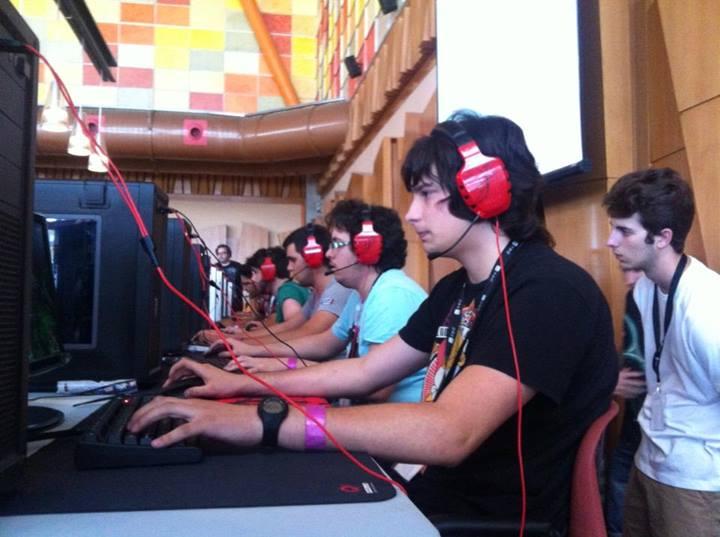 Jugones en el primer Gamepolis Malaga