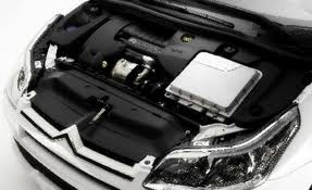 Engine of 2012 Citroen ds5.