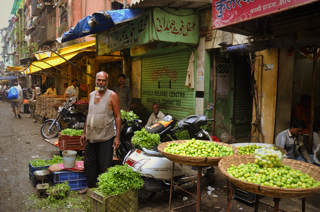 Picture of a vegetable market in the Byculla area of Mumbai in India.