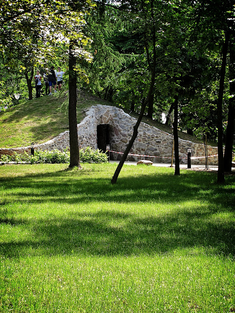 Ogród Zmysłów - jaskinia echa