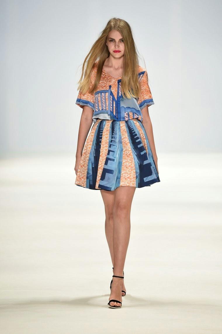 New-Generation, Doris-Q, Anna-Quan, Dyspnea, Aquintic, Caslazur, Daniel-K, Rachelalex, Rukshani, australian-fashion-week, mbfashionweek, mercedes-benz-fashion-week-australia, robes-soirée, robes-cocktail, printemps-ete-2015, du-dessin-aux-podiums, dudessinauxpodiums, robe-pas-cher, robes-girly, robes-pas-cher, mode-à-petits-prix, fashion, mode, blog-mode, dresses-online, plus-size-dresses, ladies-dresses, womenswear, designer-dresses, site-vetement-femme, robes-sexy, sexy-clothes, robe-guess, robe-classe, spring-summer-2015