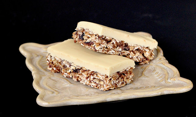 No Bake Figgy Oatmeal Bars with Healthy Vanilla Fondant