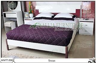 Tempat tidur desain minimalis modern Swan