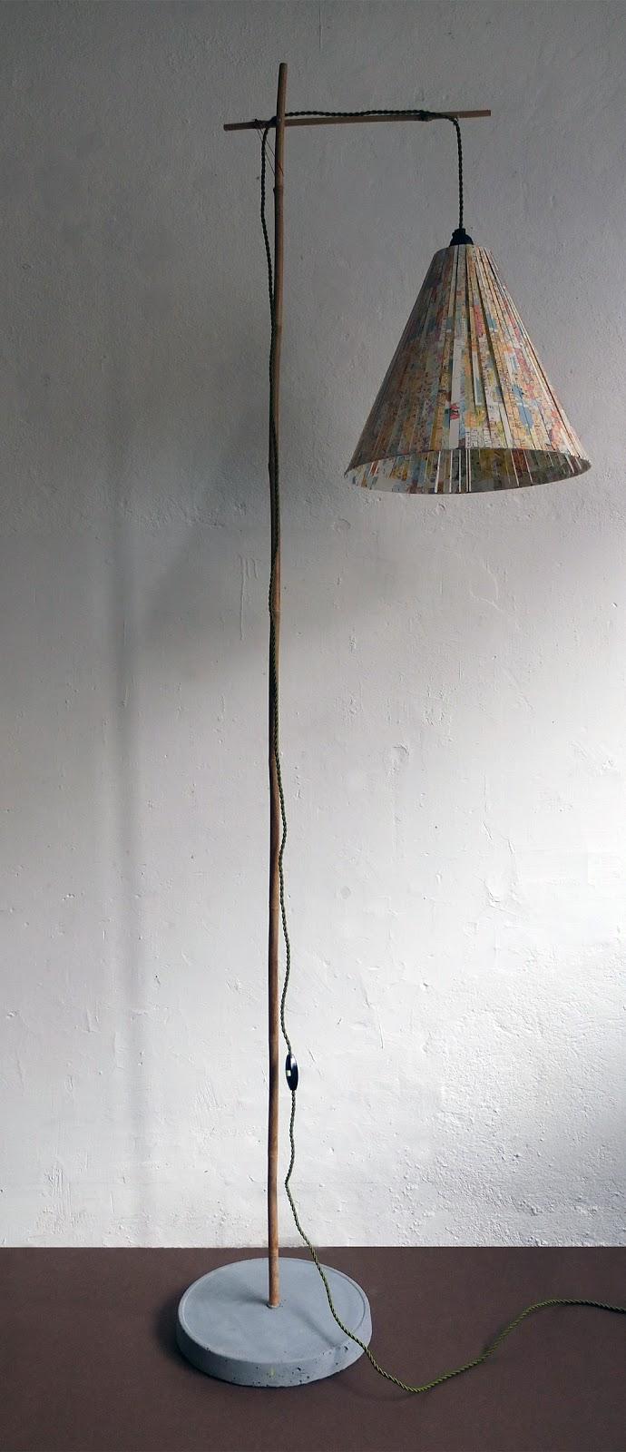 le grand déballage chez terrasse en ville marseille. juliadesign présente ses luminaires, meuble en carton et sérigraphies.