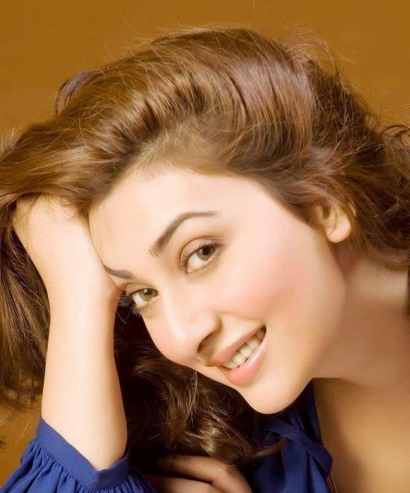 Ayesha Khan HD Wallpapers Free Download