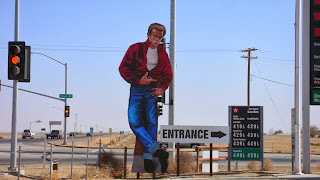 Two story figure of James Dean at the intersection of hwy 33 and 46