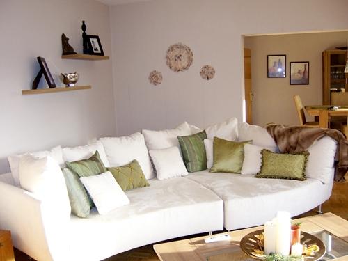 Jika perabot rumah Anda mulai tampak renta dan membosankan Cara Praktis Membuat Ruangan Lebih Cerah
