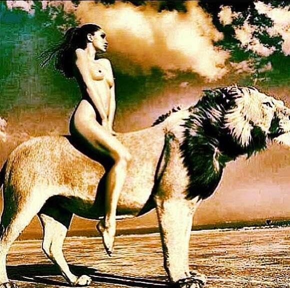 #UWM Goddess