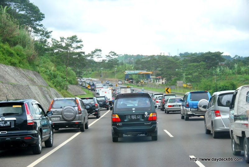 Perjalanan Dari Bandung Ke Jakarta Berapa Jam