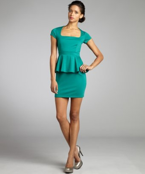 fashion trends reports pantone emerald green color of the