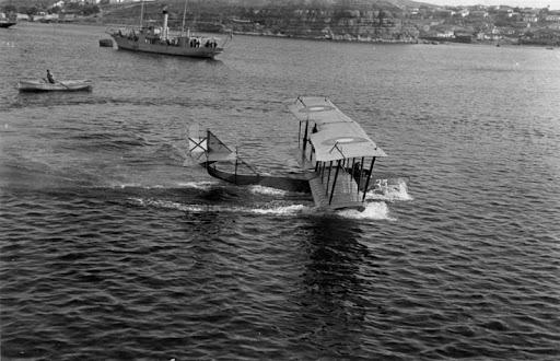 Гидроаэроплан М-5 в Севастопольской бухте