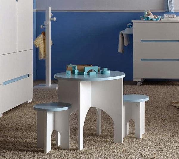 http://www.portobellostreet.es/mueble/11017/Mesa-y-Taburete
