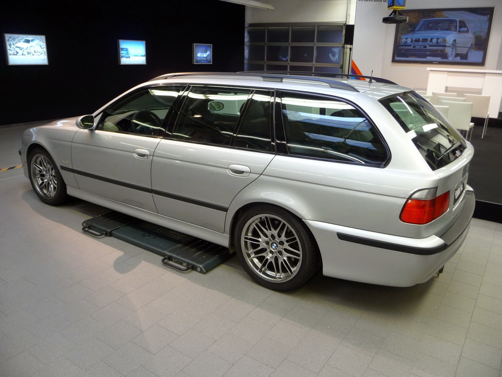 the sport wagon enthusiast bmw m5 e39 touring. Black Bedroom Furniture Sets. Home Design Ideas