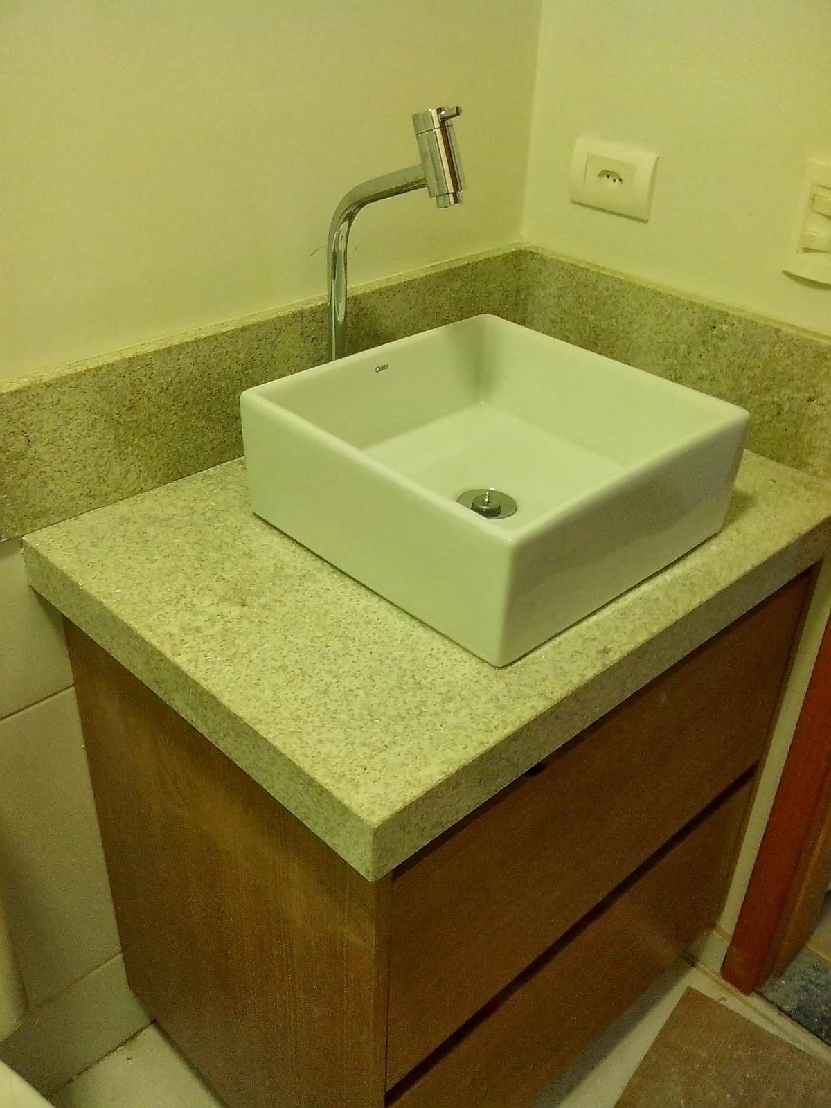 Reforma do meu apê: Granitos Colocação na cozinha e banheiros #472E08 1200 1600