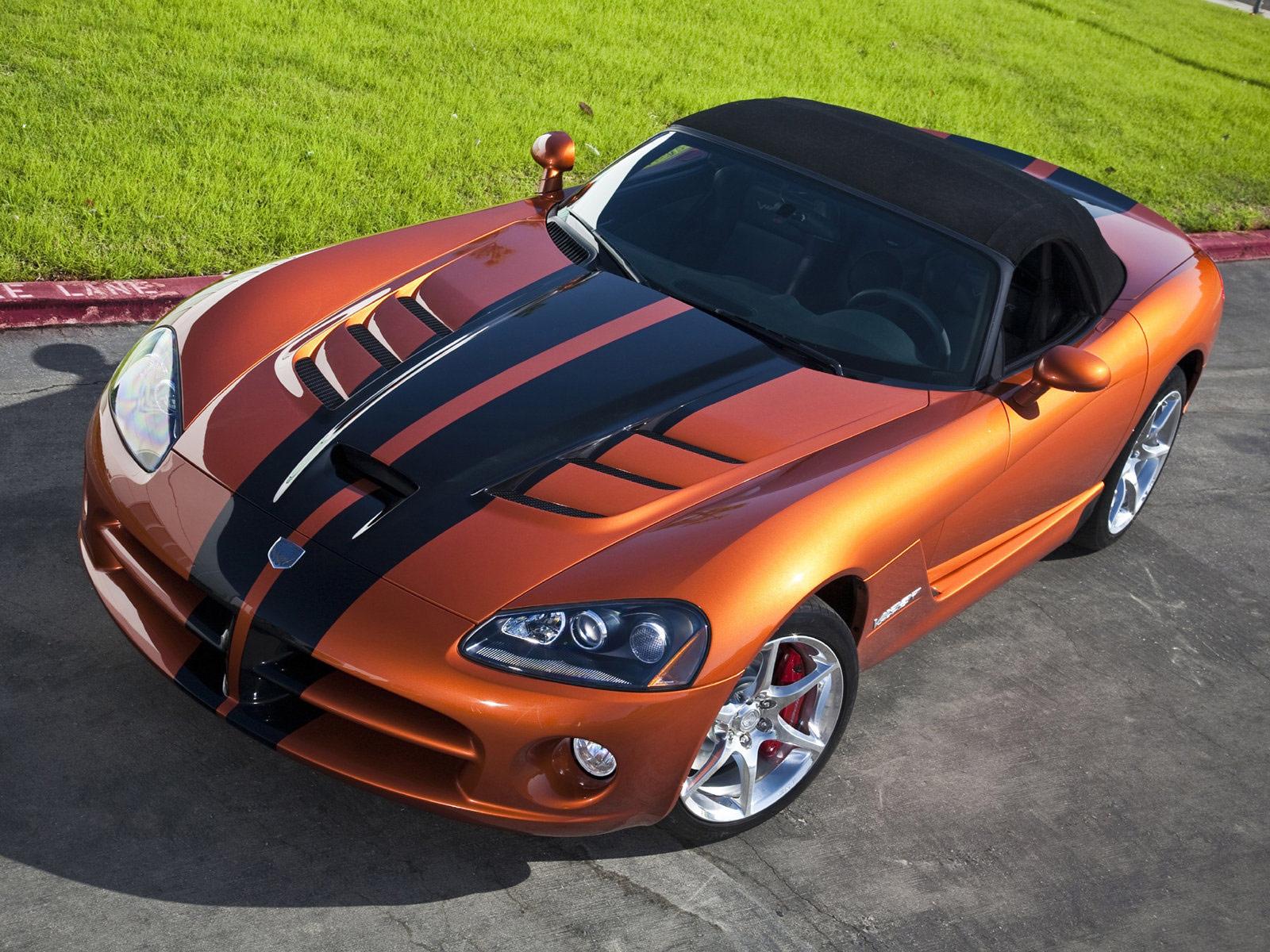 http://3.bp.blogspot.com/-8HRvNcJB4Hg/Trn34CeZykI/AAAAAAAADoA/uMqbInY09V0/s1600/Dodge-Viper_SRT10_2010_car-desktop-wallpaper_1.jpg