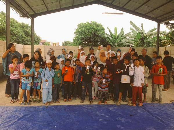Kreasi Botol Plastik Bekas alumnis SMP 243 sekolah raya