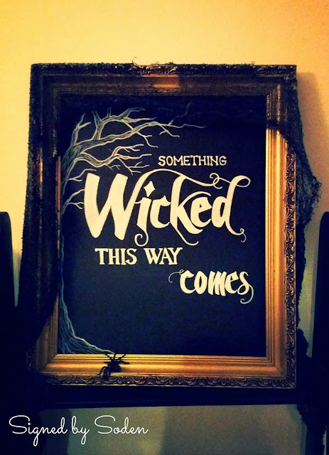Halloween chalkboard decoration